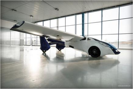 Ноги, хвост, главное – крылья! AreoMobil планирует запустить летающий автомобиль в 2017 году