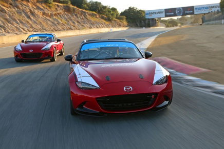 Фото экспериментального образца обновленного гоночного Mazda MX-5