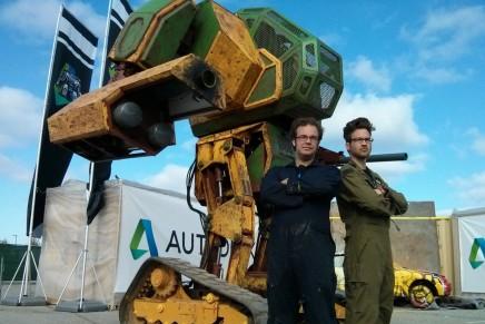Дуэль гигантских роботов