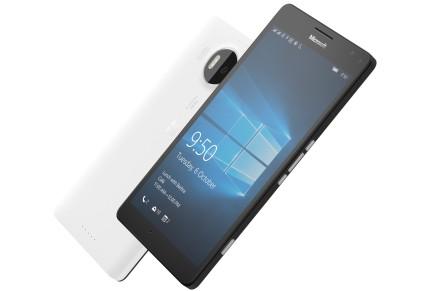 Microsoft опубликовала фотографии в высоком разрешении своих новых смартфонов
