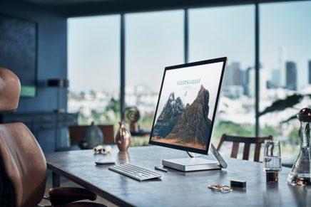 Microsoft выпустила несколько роликов с демонстрацией использования Surface Dial
